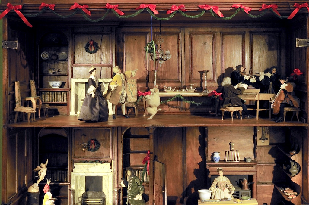 Daneway House- 18th Century English Christmas
