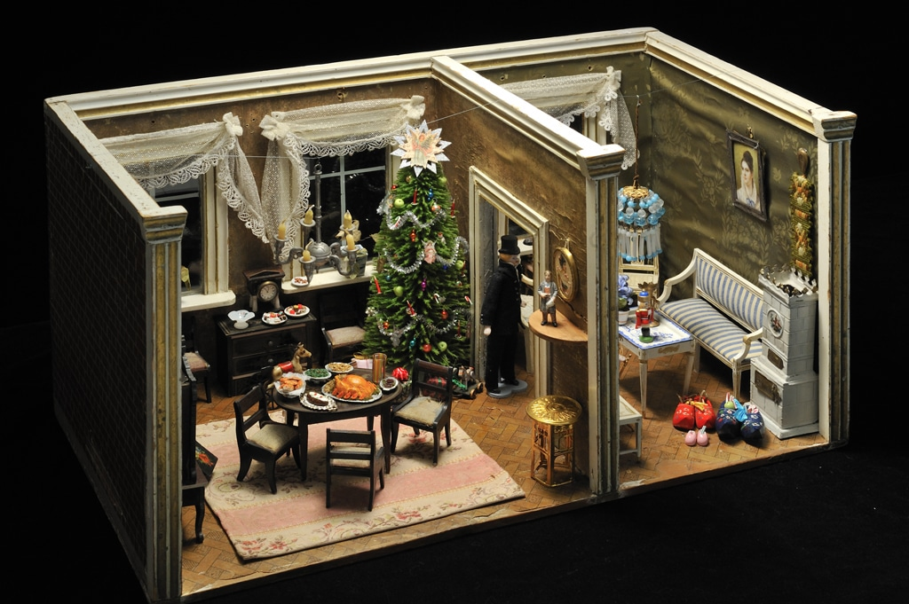German Dollhouse- A Traditional German Christmas