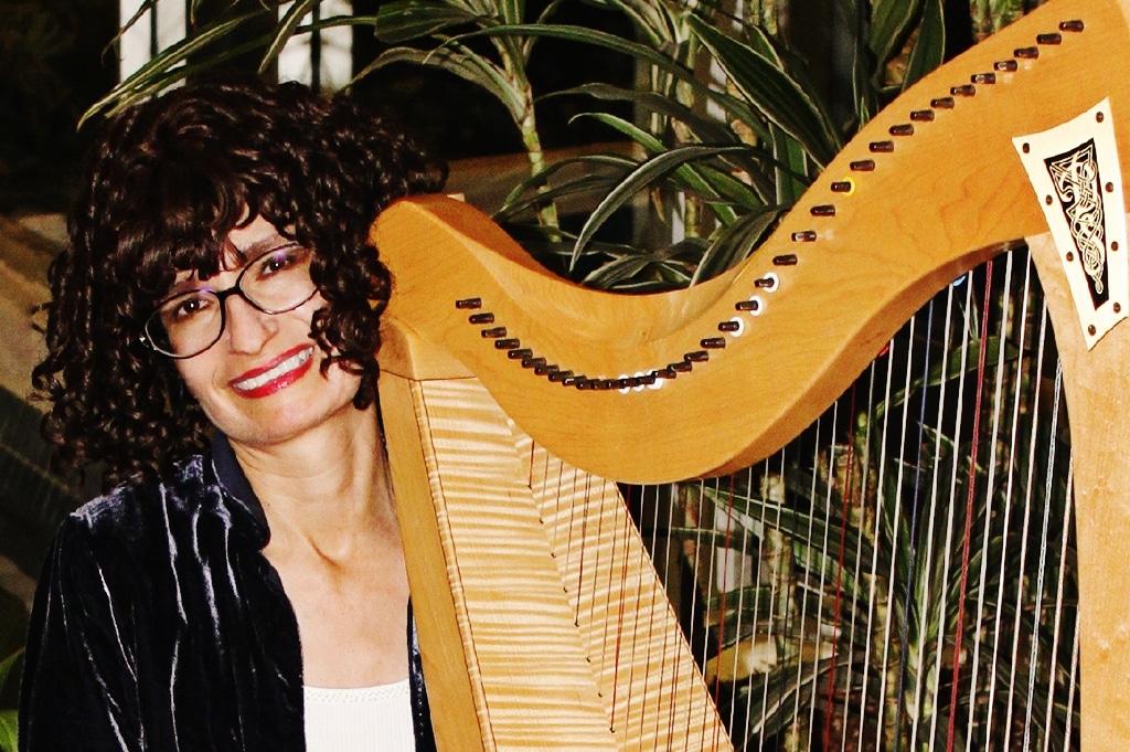 acoustic harpist Vanessa Myers