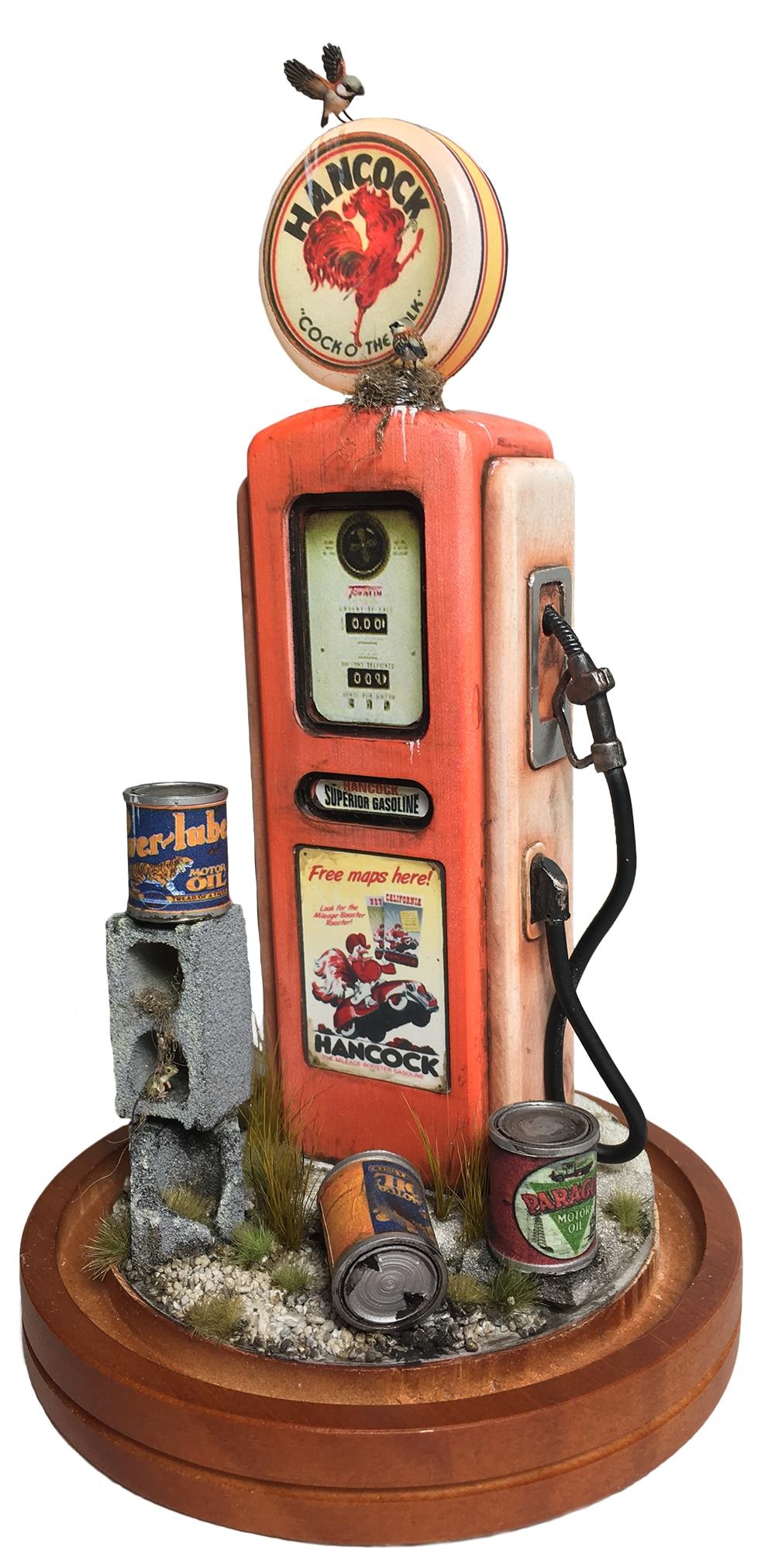 Mini Retro Gas Pump