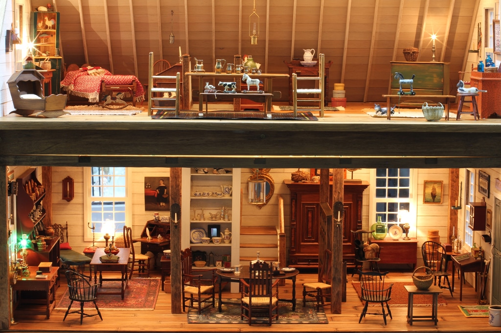 The Carriage House Antique Store featured image